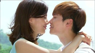 Soo Ha-Hye Seong Stair Kiss: I Hear Your Voice