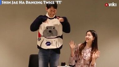 Korean Celebrities Play 2 Truths and A Lie: Traces of the Hand