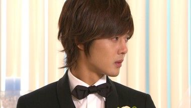 Seung Jo and Ha Ni's Wedding!: Playful Kiss