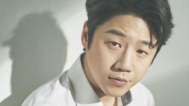 Jung Joon Won (1988)