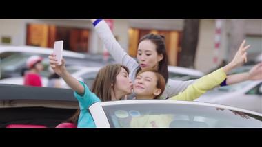 Trailer: Girls vs Gangsters
