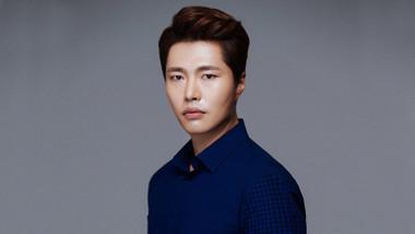 Yoon Ji Wook