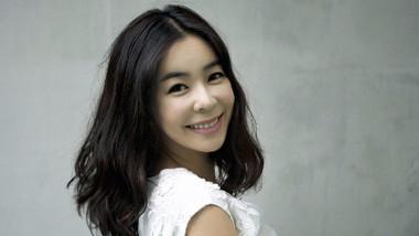 Lee Hye Young (1971)