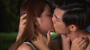 Shirtless Tian Xing and Le Si make out: Enamórate de mí