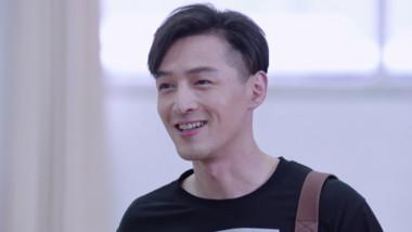 Hu Ge's Surprise Cameo: Surgeons